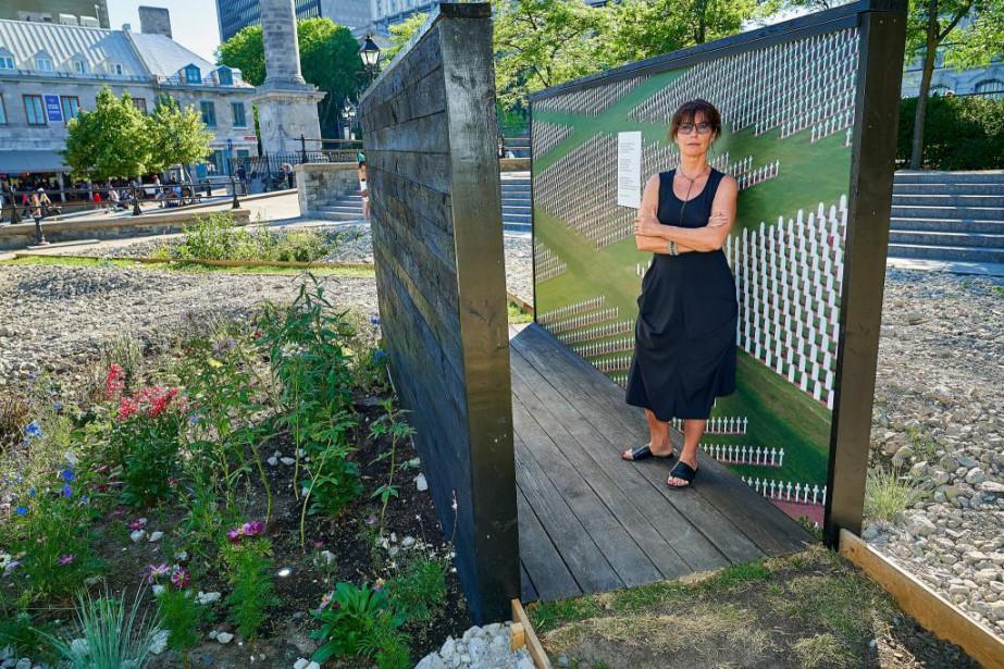 L'artiste Dominique Blain au coeur de son installation... (Photo André Pichette, La Presse)