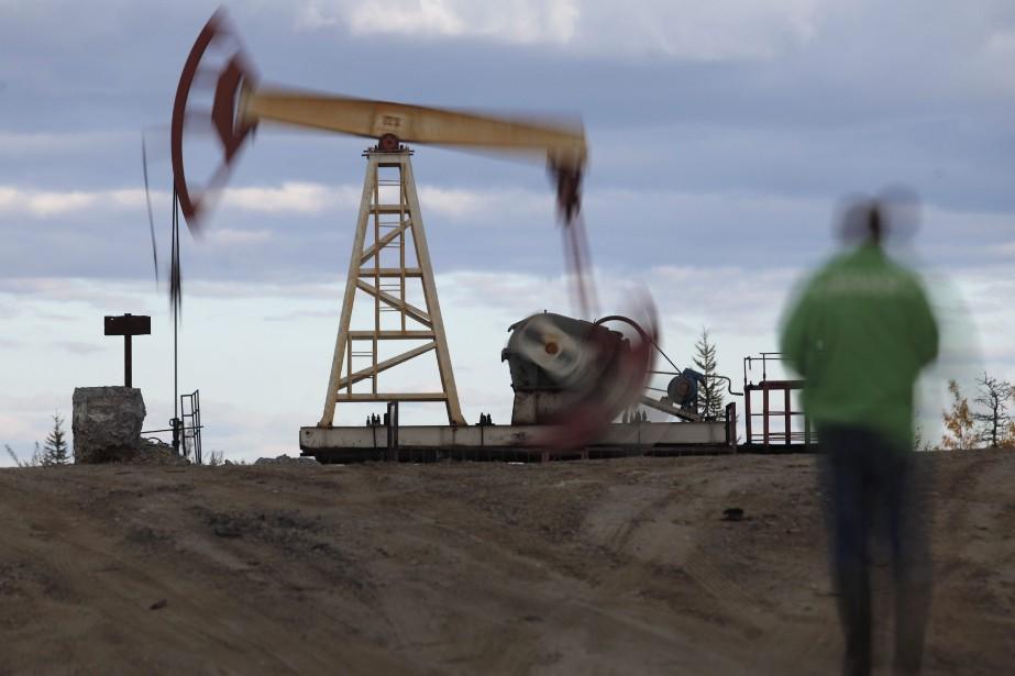 Les prix du pétrole ont... (Photo Dmitri Lovetsky, archives Associated Press)