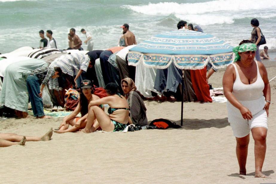 Plage près de Casablanca, au Maroc.... (Photo Abdeljalil Bounhar, archives Associated press)