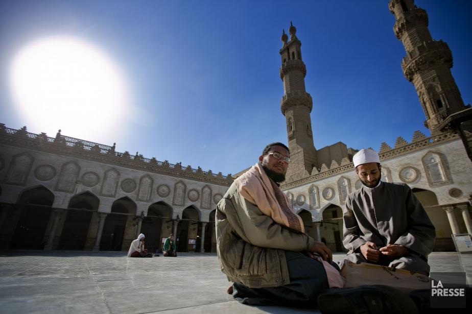 Une mosquée au Caire, en Égypte.... (PHOTO MARCO CAMPANOZZI, archives LA PRESSE)