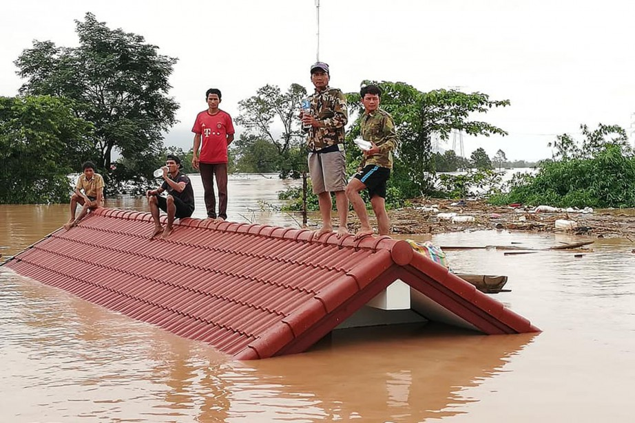 Des images filmées par les médias locaux montrent... (Photo Agence France-Presse)