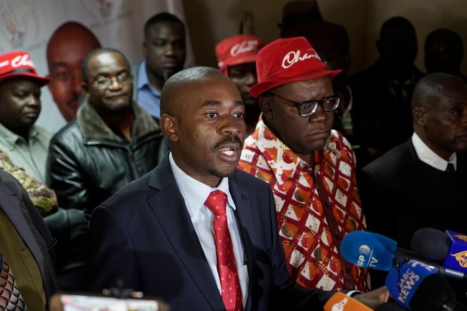L'«arrogance» de la commission électorale qui «a choisi... (Photo Zinyange Auntony, Agence France-Presse)
