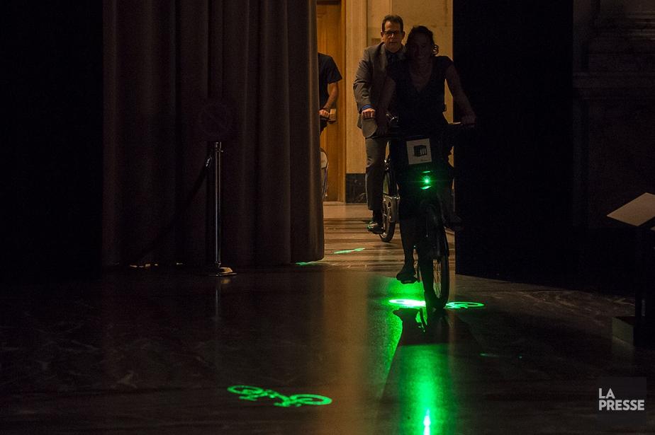 Le Laserlight permet de projeter un logo de... (Photo Edouard Plante-Fréchette, La Presse)