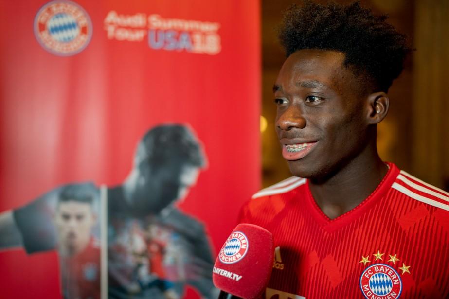 Alphonso Davies... (Photo tirée du compte Twitter du Bayern Munich)