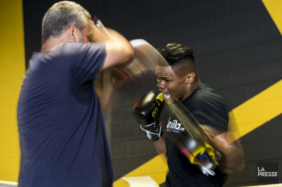 Eleider Alvarez en action à l'entraînement... (Photo Hugo-Sébastien Aubert, La Presse)