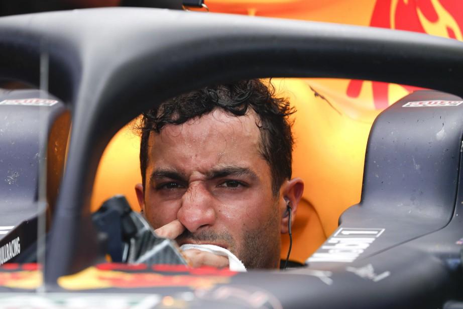 Le pilote australien Daniel Ricciardo gère un enjeu... (photo AP)