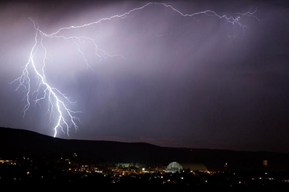 Un éclair dans le ciel de l'Idaho, en... (Photo Ted S. warren, archives Associated Press)