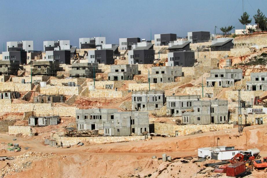 Un projet immobilier israélien près de la ville... (Photo Gil Cohen-Magen, Archives AFP)