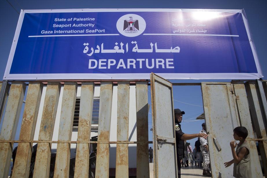 Israël a rouvert partiellement mardi le terminal par... (AP)