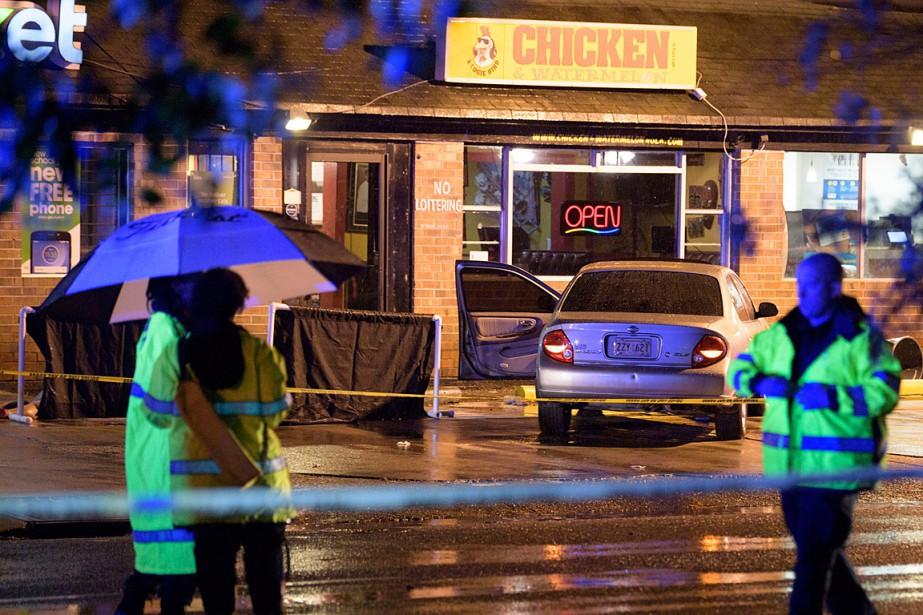 La fusillade a éclaté sur l'avenue Claiborne, à... (PHOTO MATTHEW HINTON, THE ADVOCATE VIA AP)