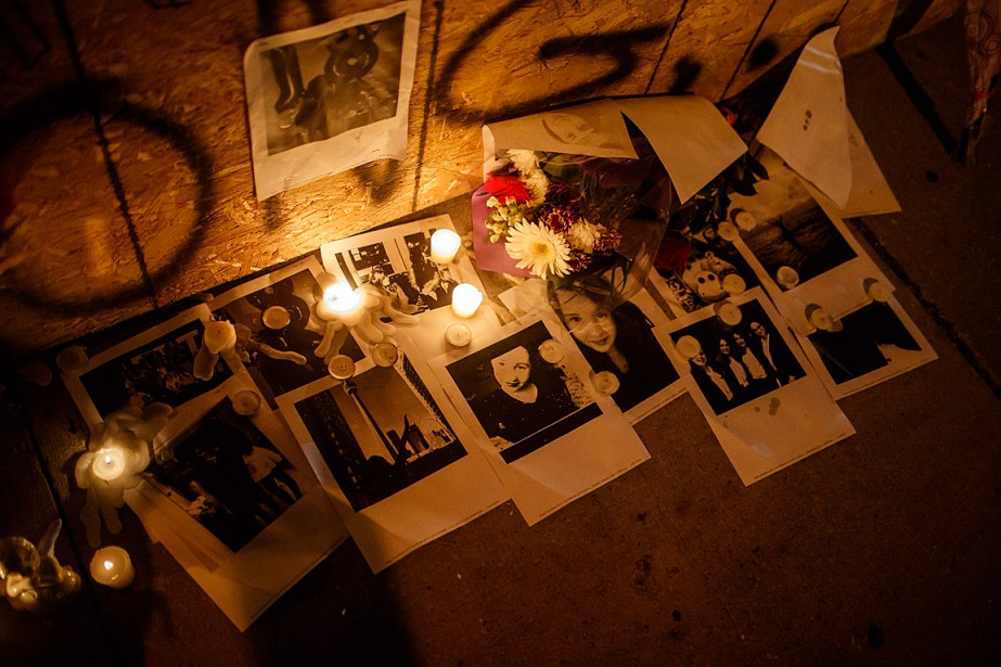 Des photos de Reese Fallon et des bougies... (PHOTO MARK BLINCH, ARCHIVES LA PRESSE CANADIENNE)