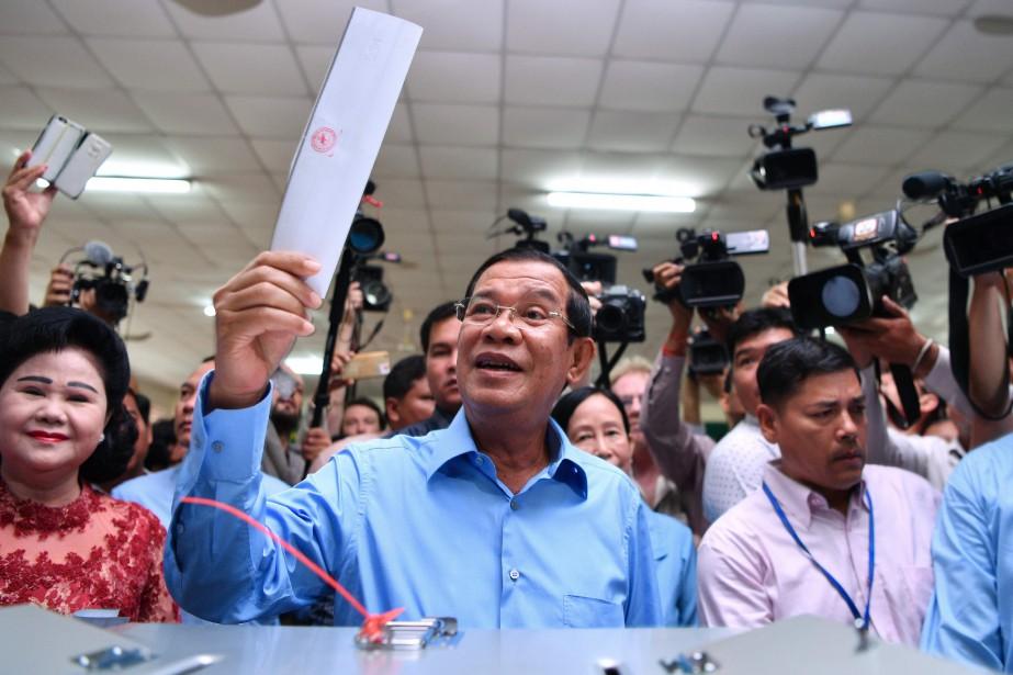 «Nos compatriotes ont choisi la voie de la... (PHOTO AFP)