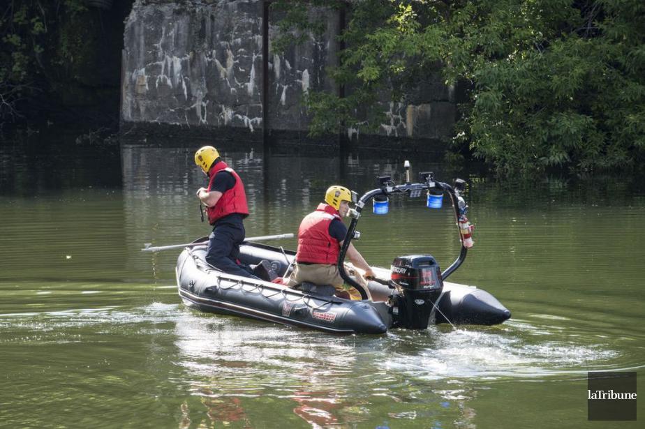 Une balade aux abords de la rivière Magog tourne mal, alors... (PHOTO LA TRIBUNE)