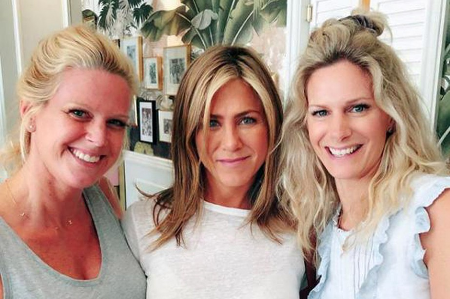 Jennifer Aniston (au centre) en compagnie de Rebecca... (PHOTO TIRÉE DU COMPTE INSTAGRAM DE REBECCA WOLFE)