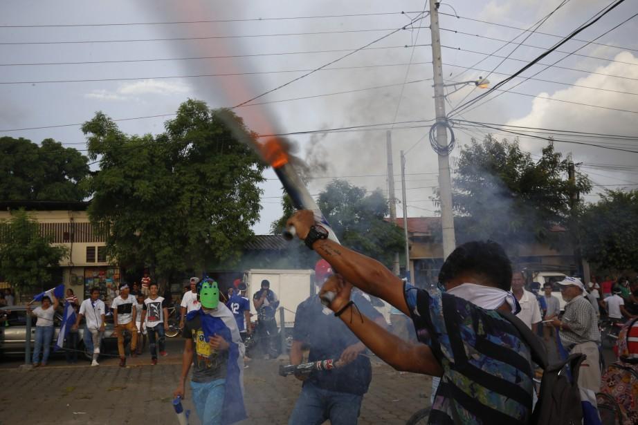 Les manifestations contre le président Daniel Ortega qui... (Photo Alfredo Zuniga, Associated Press)