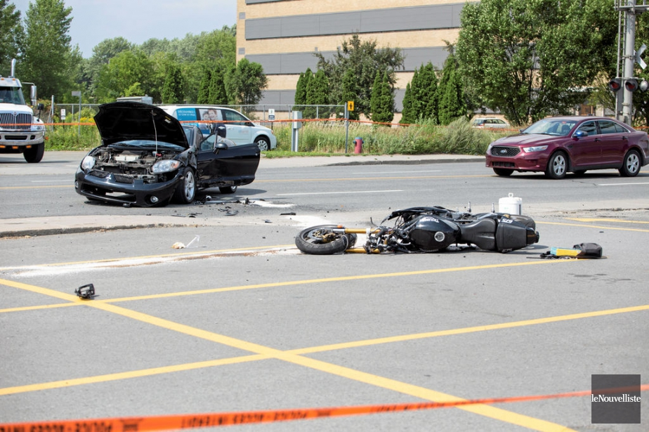 Un motocycliste a été sérieusement blessé dans un... (Photo Le Nouvelliste)