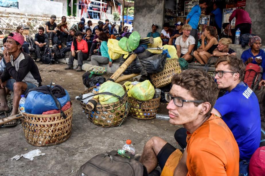 Parmi les 543 personnes évacuées se trouvaient 189... (PHOTO REUTERS)