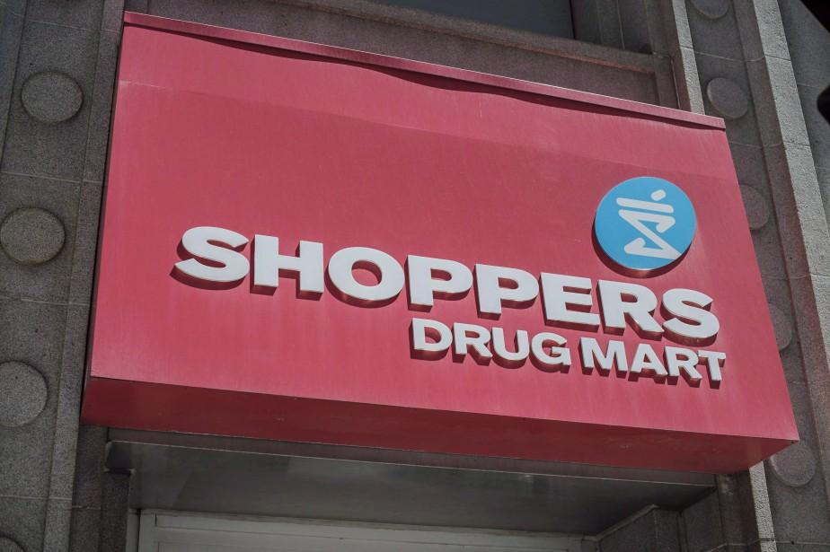 Des pharmaciens de Shoppers Drug Mart formés au... (Photo Eduardo Lima, archives La Presse canadienne)