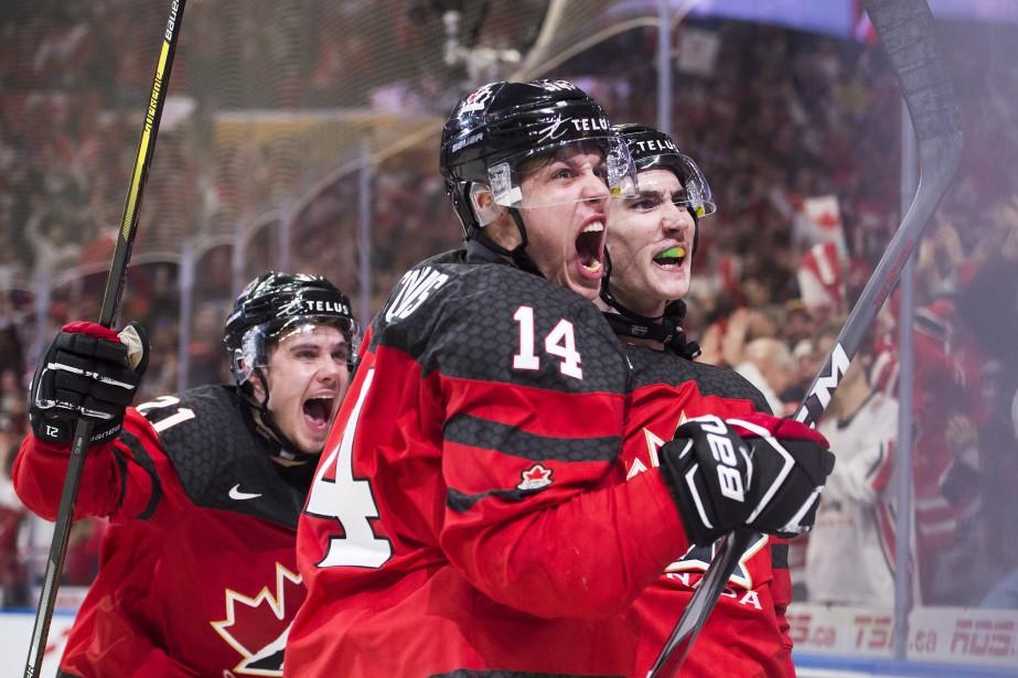 Maxime Comtois et Alex Formenton sont les seuls... (Photo Nathan Denette, La Presse canadienne)