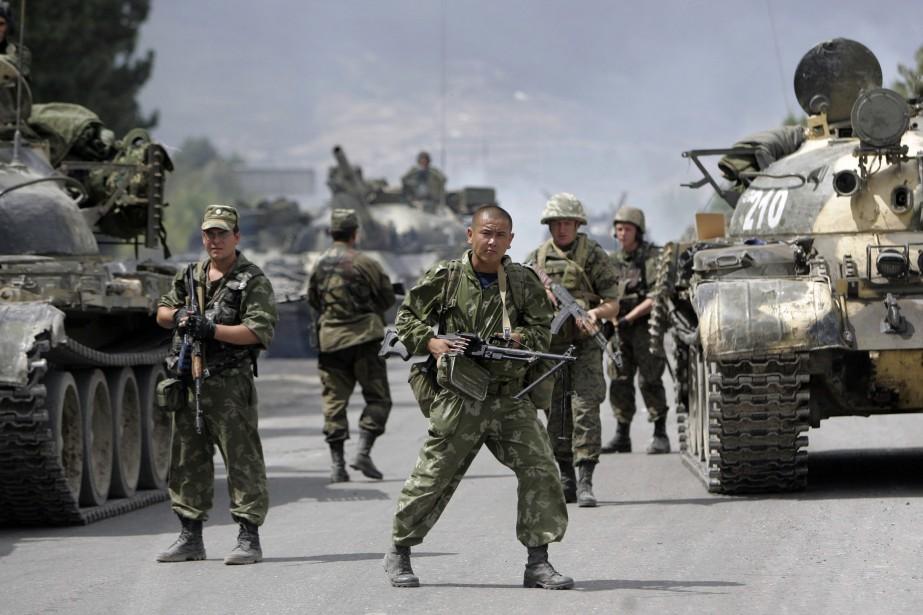 À l'été 2008, l'armée russe est intervenue sur... (ARCHIVES AP)