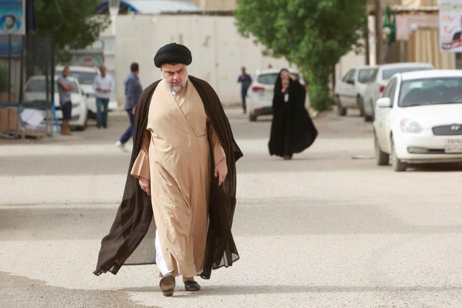 Moqtada Sadr, qui avait multiplié les signes d'indépendance... (PHOTO REUTERS)