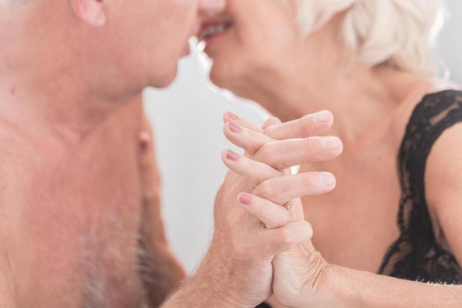 La performance et la satisfaction sexuelle demeurent importantes... (Photo Thinkstock)