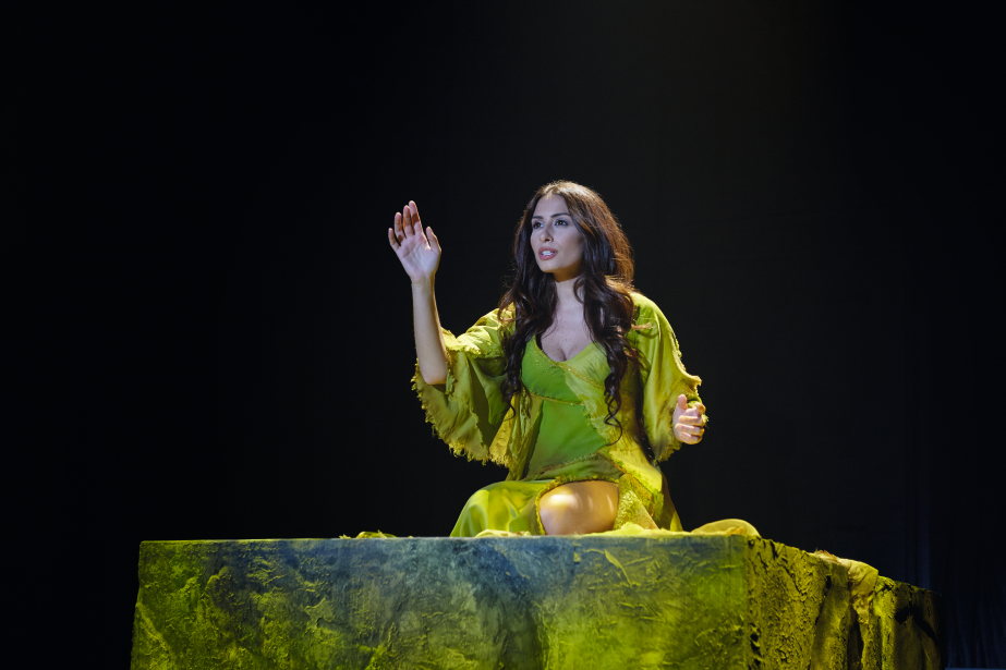 rencontre entre quasimodo et esmeralda