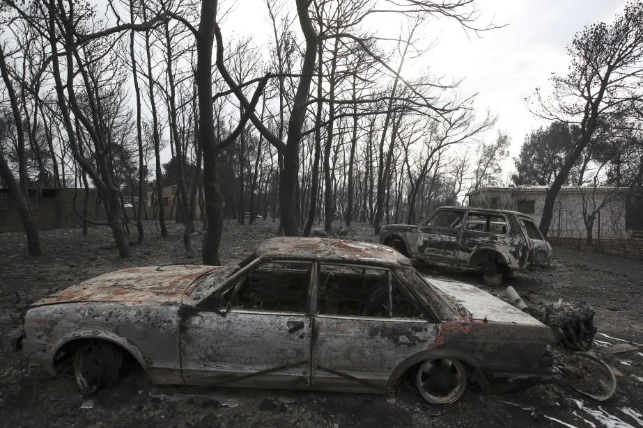 Plus de 30 personnes sont toujours hospitalisées.... (Photo Thanassis Stavrakis, Archives AP)