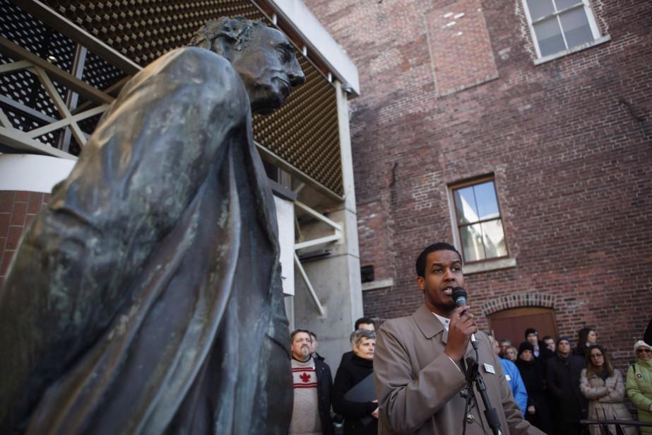 Une statue du premier premier ministre du Canada a été