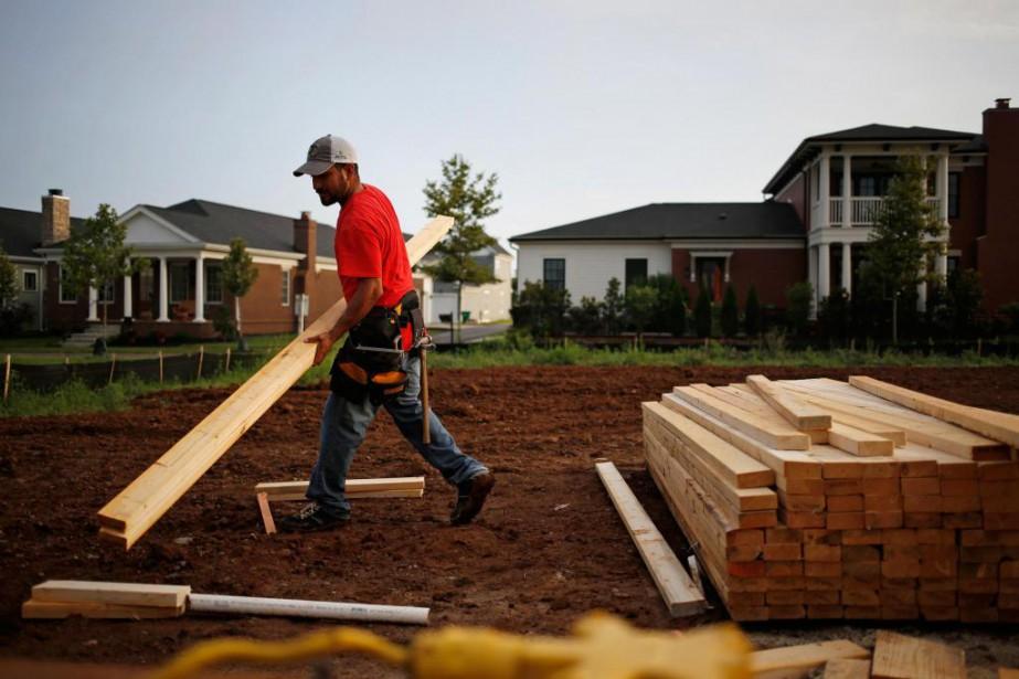 Une autre baisse des mises en chantier résidentielles... (Photo Luke Sharrett, Archives Bloomberg)