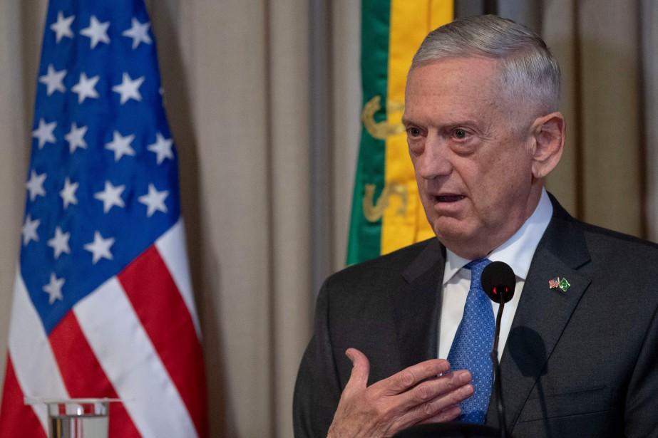 Le secrétaire américain à la Défense Jim Mattis... (PHOTO Mauro Pimentel, AFP)