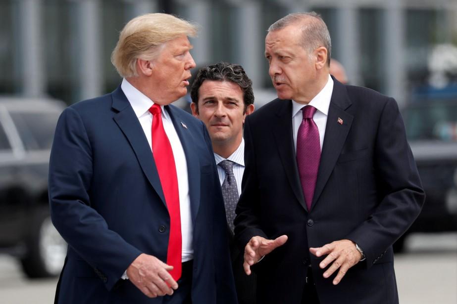Le président américain Donald Trump et son homologue... (ARCHIVES REUTERS)