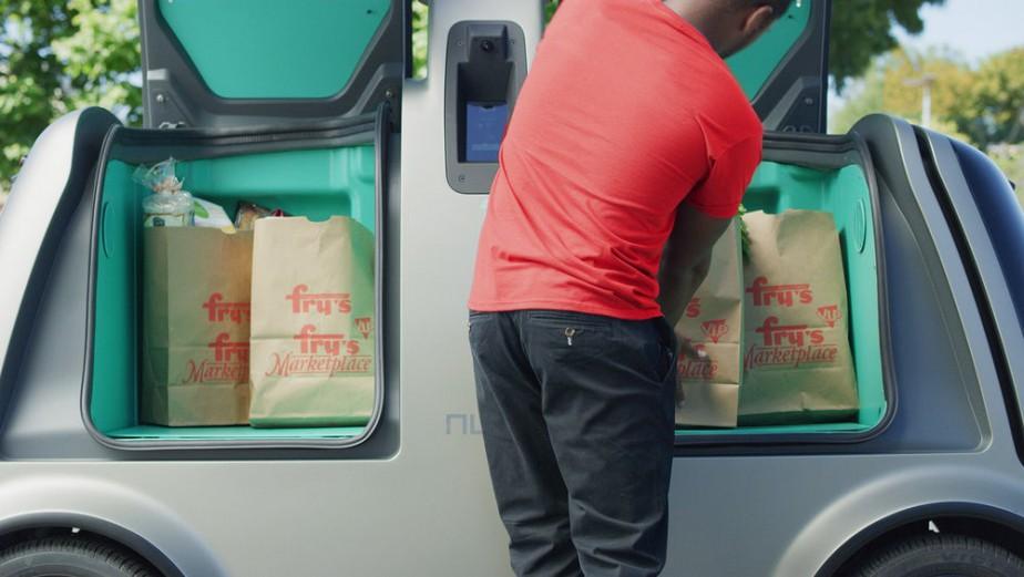 Ne comptez pas sur le robot-livreur pour monter vos sacs à la porte de votre appartement en haut du triplex. Il faut aller chercher ses sacs soi-même. (.)