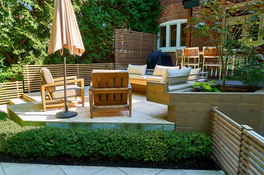 cours ext rieures trois coins de paradis urbains. Black Bedroom Furniture Sets. Home Design Ideas