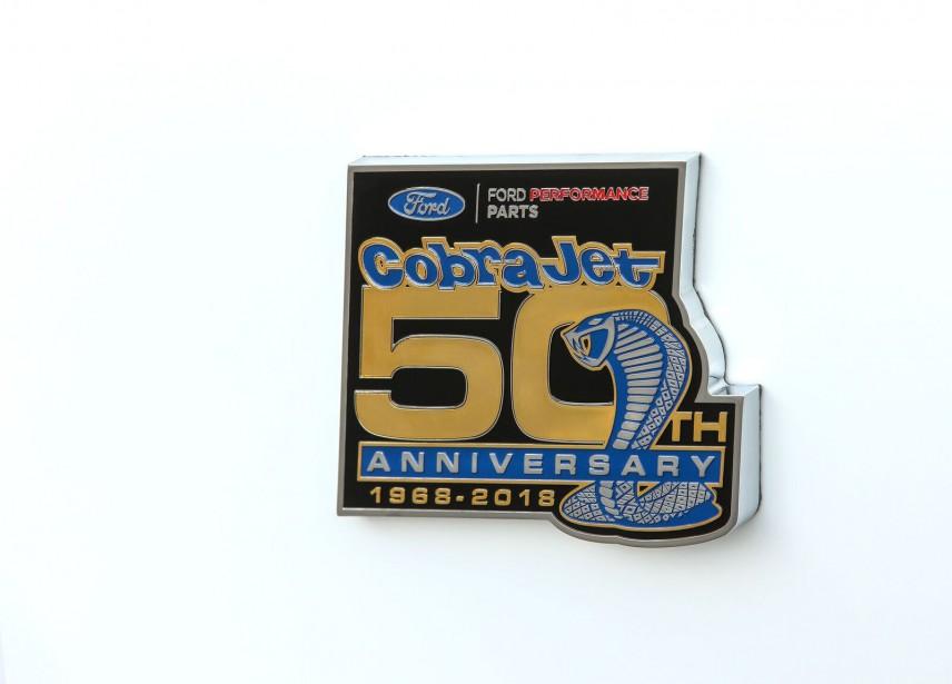 L'écusson de la Cobra Jet. ()