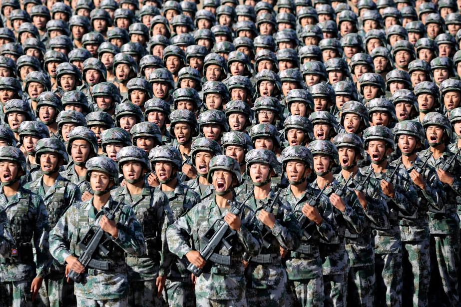 L'armée chinoise est engagée dans un vaste programme... (PHOTO ARCHIVES REUTERS/CHINA DAILY)
