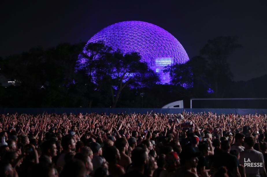 La biosphère pendant la performance de Florence +... (Photo Martin Chamberland, La Presse)