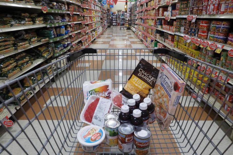 Parmi les Canadiens qui achètent de la nourriture... (photo alain dion, archivesLa Voix de l'Est)