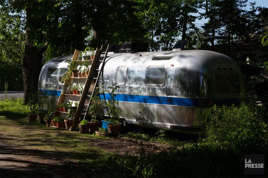 Un Airstream rutilant de 1972 avec tout le... (Photo Martin Tremblay, La Presse)