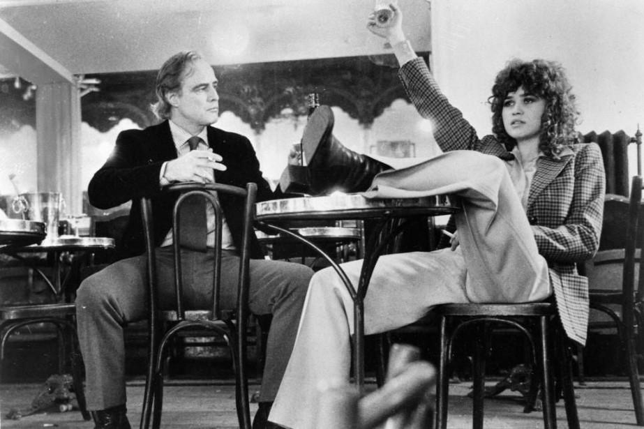 Maria Schneider avec Marlon Brando, dans une scène... (Photo archives Associated Press / United Artists)