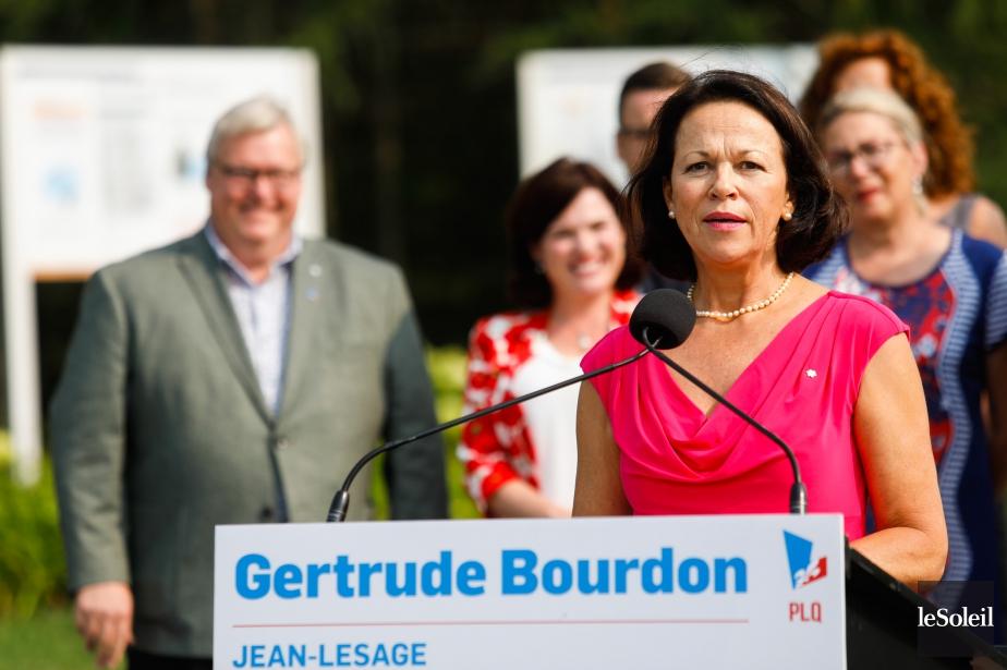 La candidate du Parti libéral du Québec, Gertrude... (Photo Caroline Grégoire, Le Soleil)