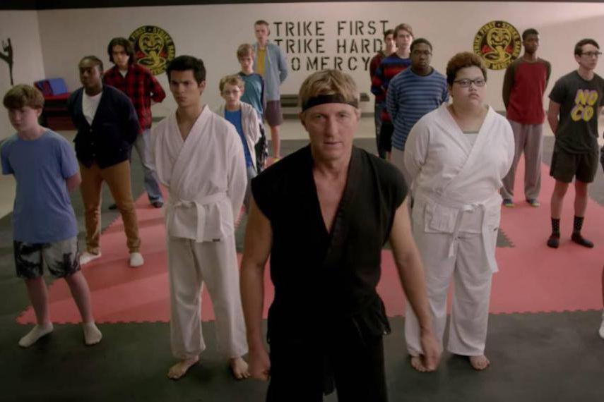 Johnny Lawrence rouvre le dojo Cobra Kai pour... (Image tirée d'une vidéo)