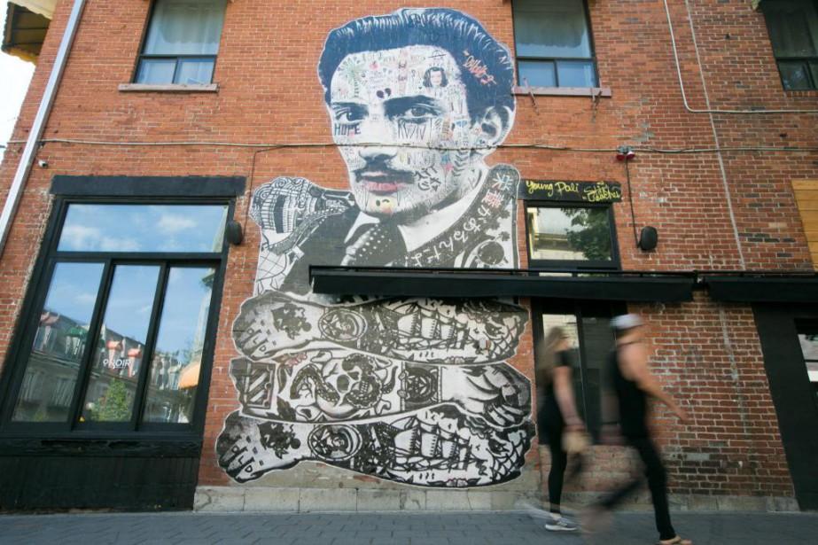 Young Dalí sur la façade d'un restaurant de... (Photo François Roy, La Presse)