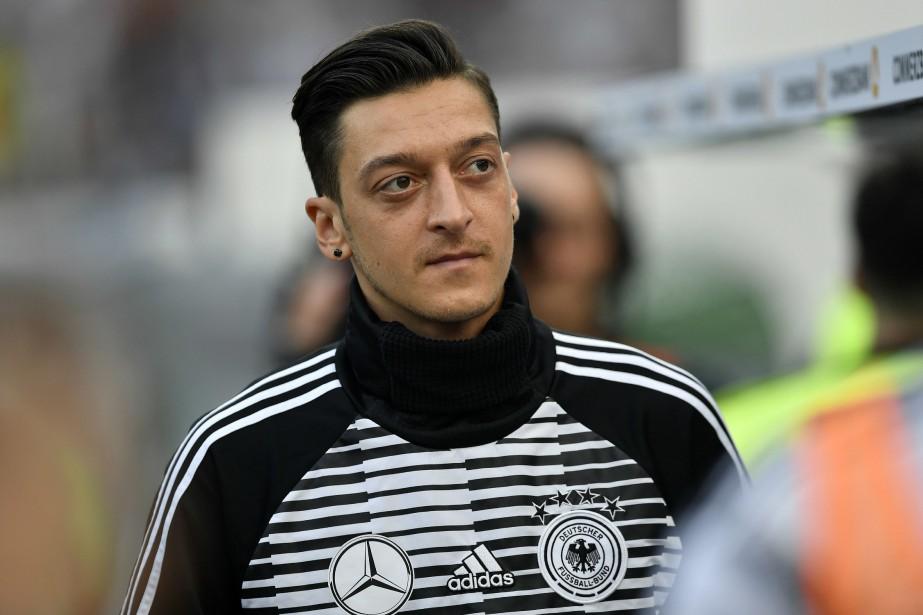 Mesut Özil... (PHOTO MARTIN MEISSNER, ARCHIVES AP)