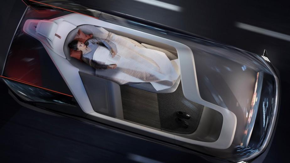 La Volvo 360C est une voiture autonome capable de voir tout son environnement à 360 degrés. Volvo rêve d'une voiture où on pourra dormir, travailler et recevoir des invités. (Toutes les photos Volvo)