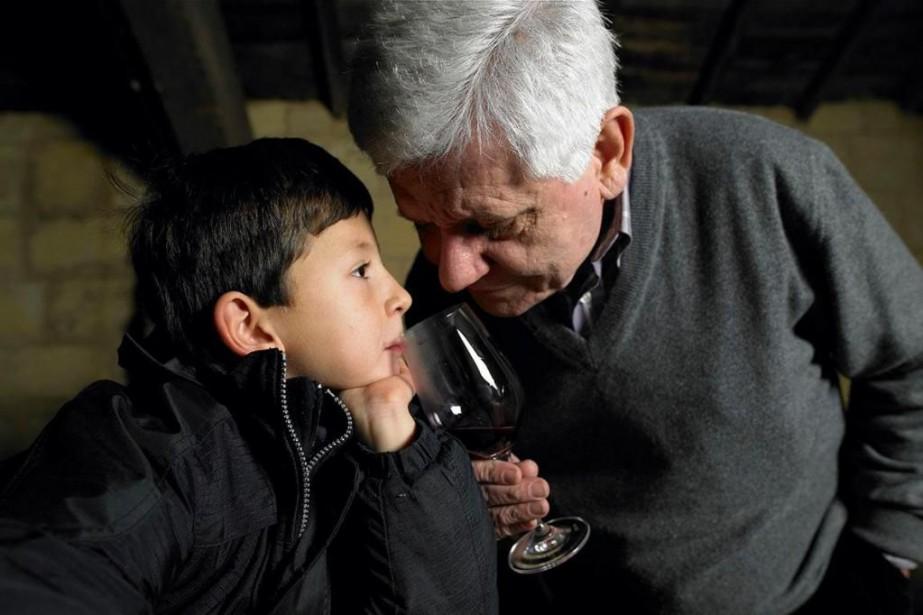 Jean Pierre Amoreau en compagnie de son petit-fils... (Photo tirée du compte Facebook du domaine)