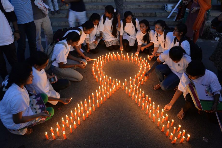 L'augmentation des cancers est due à plusieurs raisons... (Photo Manjunath Kiran, archives Agence France-Presse)