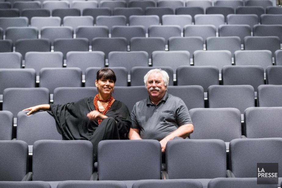 La directrice du MBAM Nathalie Bondil et MarioFortin,... (Photo Olivier Pontbriand, La Presse)