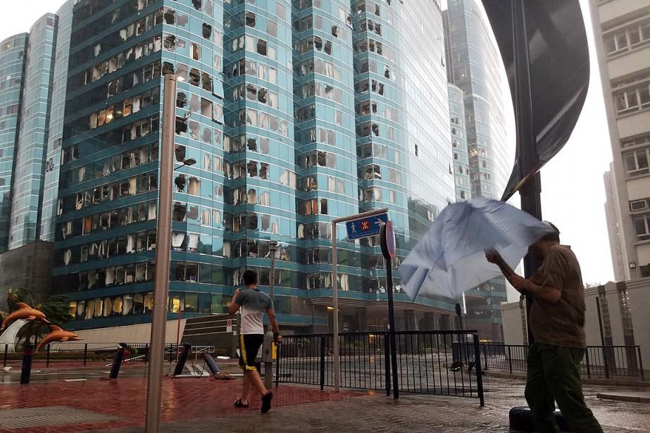 Des fenêtres de la tour à bureaux One... (PHOTO BOBBY YIP, REUTERS)