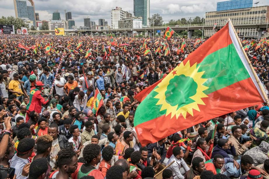Samedi, des dizaines de milliers de personnes avaient... (AFP)